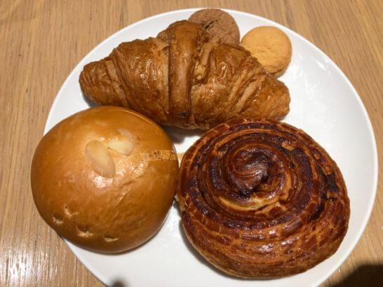 サクララウンジ(羽田空港国際線)のメゾンカイザーのパン