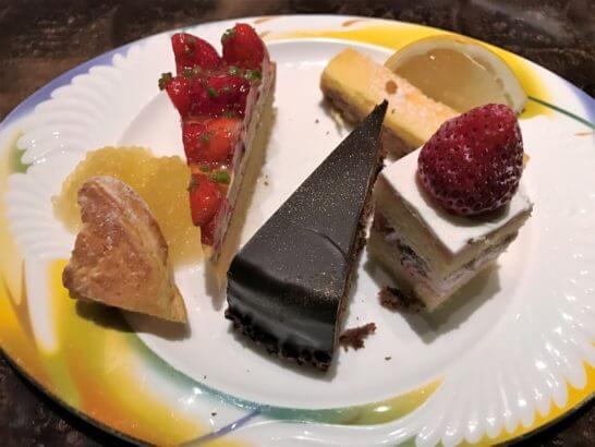 ウェスティンホテル東京のザ・テラスのディナーのスイーツ