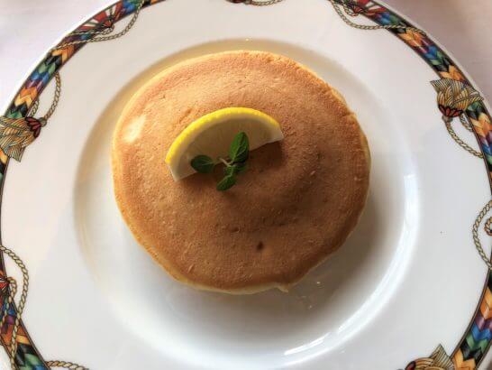 フレンチレストランビクターズのパンケーキ(レモン風味)