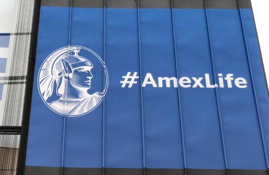 アメックスの#AmexLifeの看板
