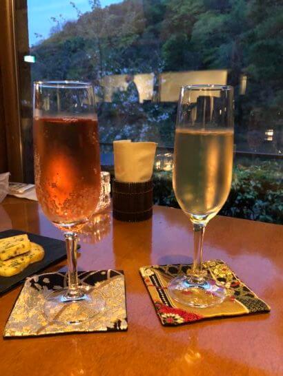 翠嵐ラグジュアリーコレクションホテル京都のノンアルコールカクテルとシャンパン