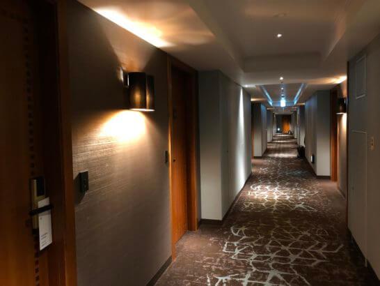 横浜ベイシェラトンホテルのクラブフロアの廊下