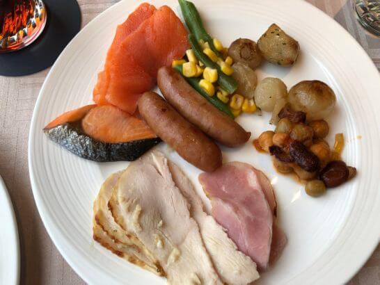 横浜ベイシェラトン ホテルのクラブラウンジの朝食(ホットミール)
