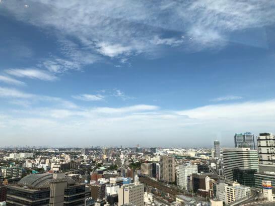 横浜ベイシェラトンホテルのクラブラウンジの窓からの眺め(昼)