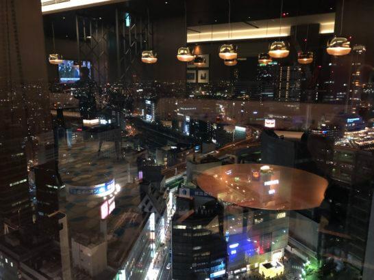 横浜シェラトンのクラブラウンジの夜景