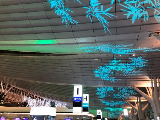 羽田空港 国際線ターミナルのライトアップ