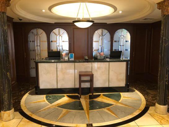 恵比寿のウェスティンホテル東京のフレンチレストラン ビクターズの入り口