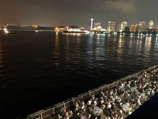 横浜大さん橋からの美しい夜景(街側)