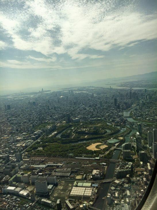 ANAの飛行機から見る地上
