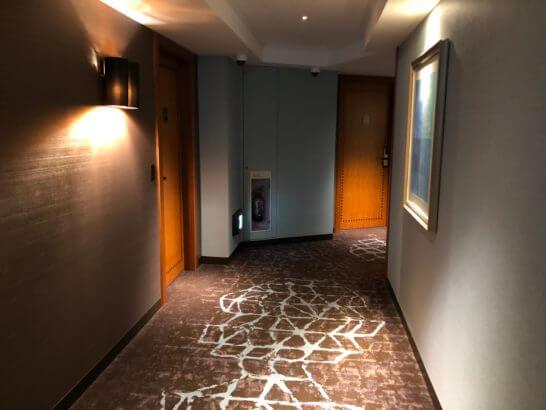 横浜ベイシェラトン ホテルのクラブフロアの廊下