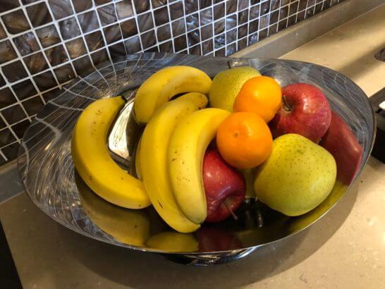 バナナ、みかん、赤りんご、青りんご