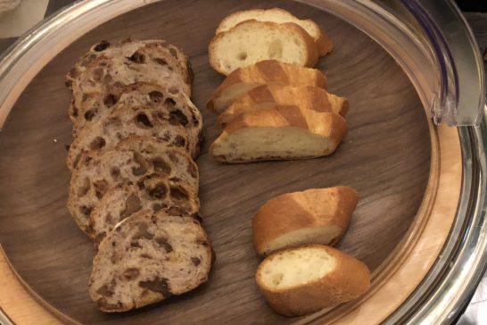 横浜ベイシェラトンホテルのクラブラウンジのパン