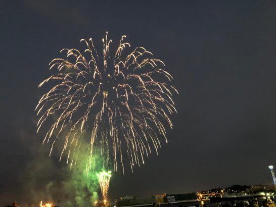 アメックスの横浜花火大会の花火 (2)