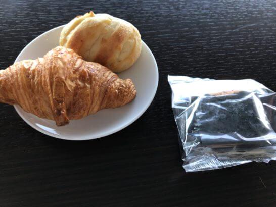 ダイヤモンド・プレミアラウンジ(羽田)のパンとおにぎり