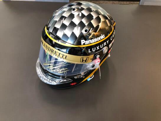 佐藤琢磨さんのヘルメット