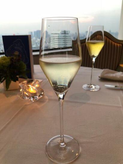 ダイナースクラブ イタリアンレストランウィークのスパークリングワインとシードル