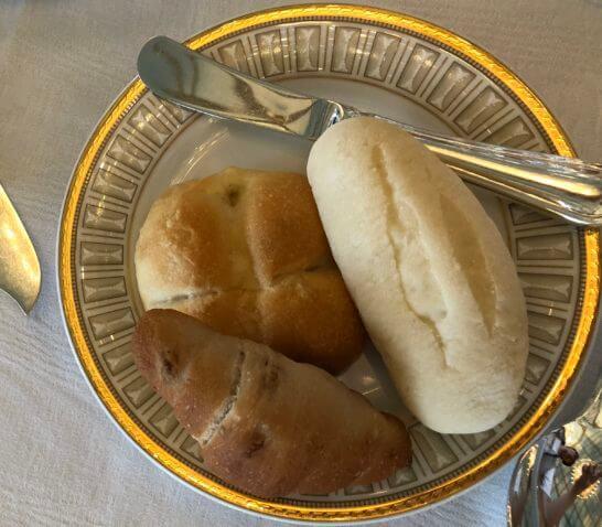 米粉のパン、くるみパン、塩バターパン