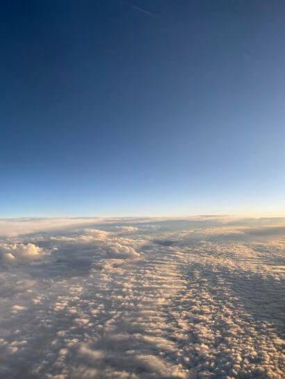 機中からの青空