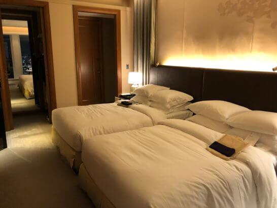 セントレジスホテル大阪のターンダウン後のベッド