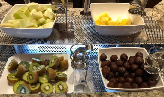 コンパスの朝食のフルーツ