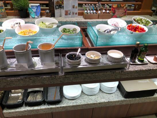 コンパスの朝食のサラダ類
