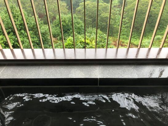 伊豆マリオットホテル修善寺の客室露天風呂に入浴(朝)