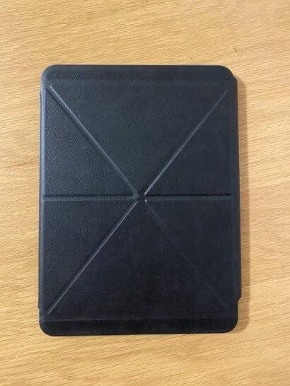 ケースを装着したiPad(表面)