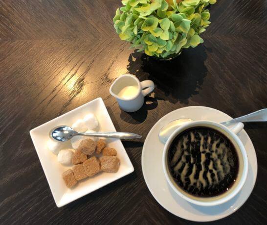 フォーシーズンズホテル丸の内 東京のランチビュッフェのコーヒー