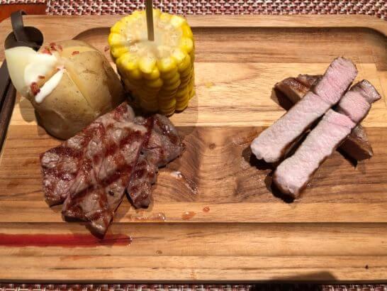 ヒルトン東京ベイの夕食のステーキ