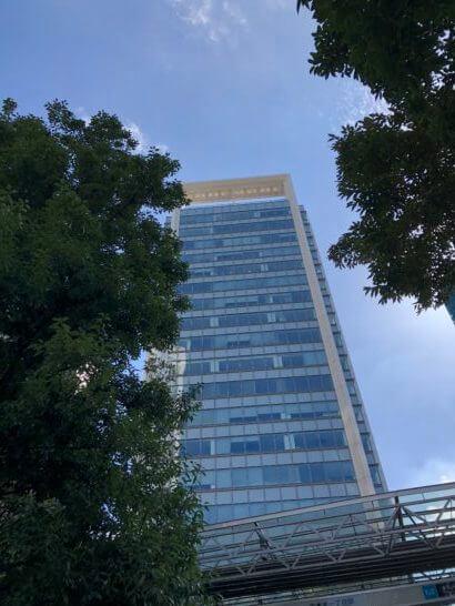 SBI証券のオフィスがある泉ガーデンタワー (1)