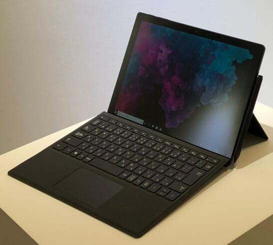 Surface Pro 6(新色ブラック)の前面