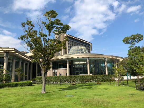 ヒルトン小田原の外観・プール