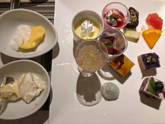 富士マリオットホテルのレストランのディナーのデザート