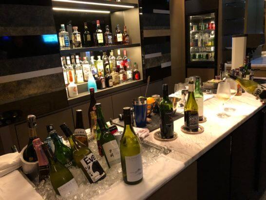 ANAインターコンチネンタルホテル東京のクラブラウンジのカクテルタイムのワイン・洋酒