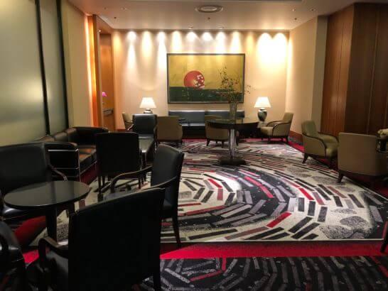 ホテルニューオータニのロビーのソファースペース