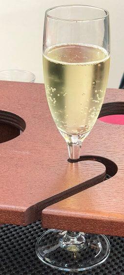 東京レストランバスのスパークリングワイン