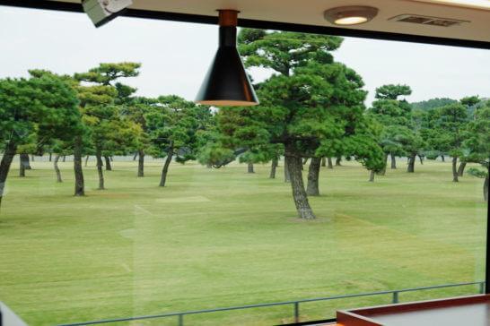 東京レストランバスからの眺め(皇居)
