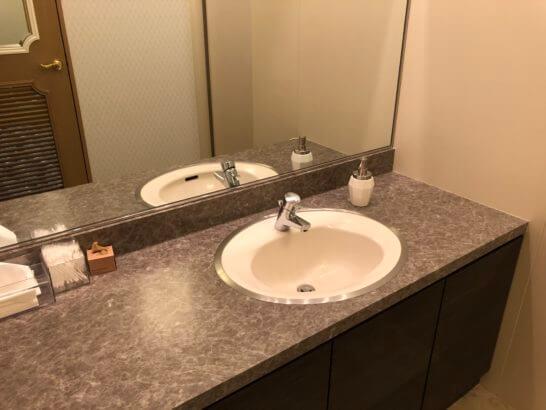 三井住友カード USJラウンジのトイレ (2)