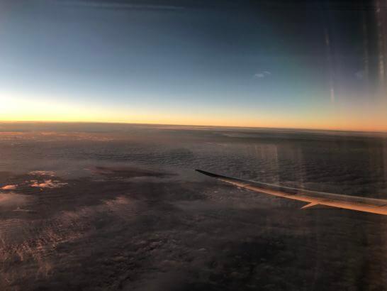 ANAの飛行機の機中からの景色(夕焼け)