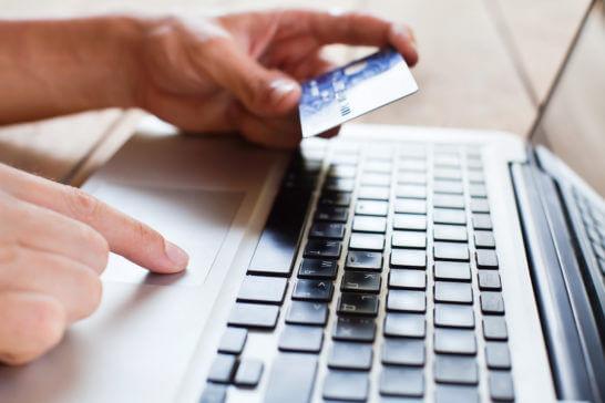 クレジットカードでのオンラインショッピングでの決済