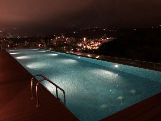 ルネッサンス台北士林ホテルのナイトプール (3)