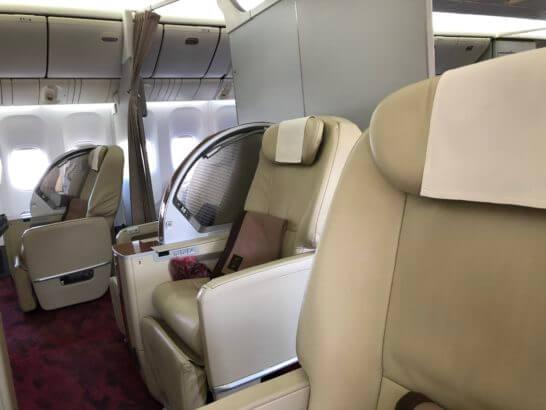 JAL国内線ファーストクラスの座席