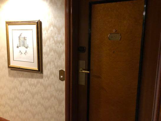 ウェスティンホテル東京のツインルーム(6F)の入り口