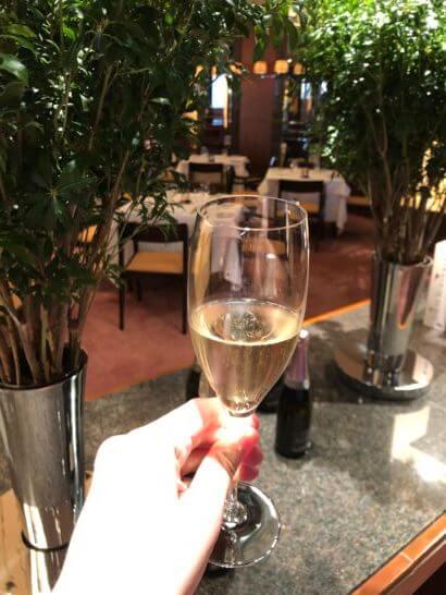 ラグジュアリーソーシャルアワー(パークハイアット東京)のシャンパン2杯目
