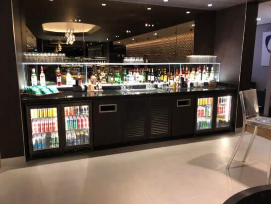ブリティッシュ・エアウェイズのラウンジ(チャンギ空港)の飲み物コーナー