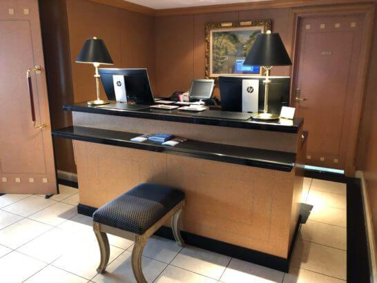 ウェスティンホテル東京のクラブラウンジのフロント
