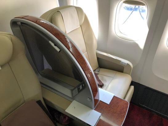 JAL国内線ファーストクラスのシート