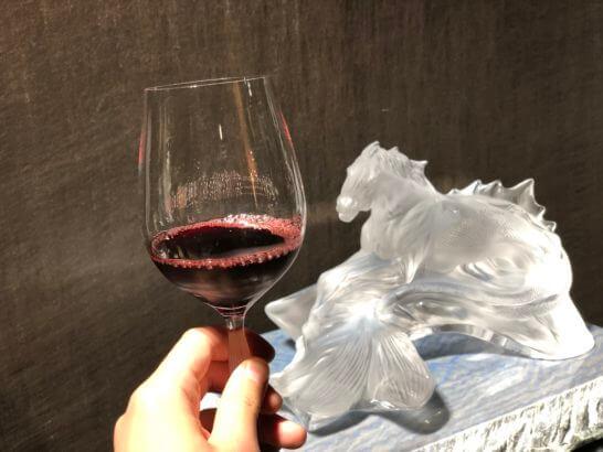 赤ワインとクリスタル