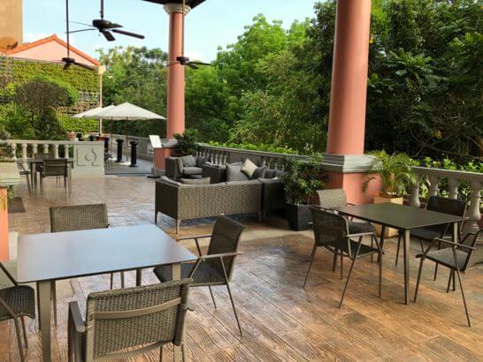 マニラマリオットホテルのカフェの屋外ゾーン