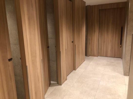 伊丹空港のJALダイヤモンドプレミアラウンジのトイレ (4)